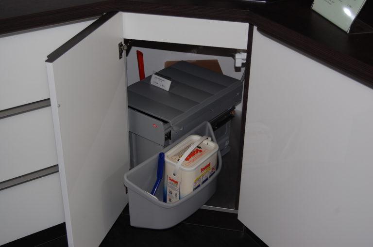 Abfallsammler für Eckspüle - drehbar (3)